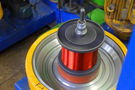 magnetismo: Fábrica de cables de cobre. Fondo