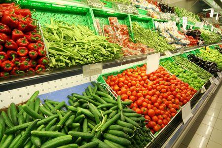 groceries: Los alimentos frescos org�nicos en los puestos de fama mundial de mercado de la Boqueria,