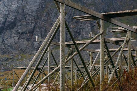 Empty norwegian fish dryers on  Lofoten Islands in Norway Stockfoto