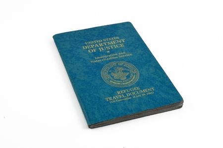 provisional: Estados Unidos dio un refugiado de documento provisional, el servicio de inmigraci�n