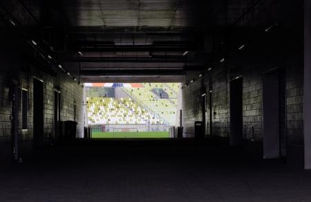 トンネル: サッカーまたはフットボール ピッチへの入り口