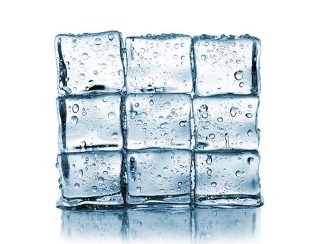 wall made of ice cubes on white Zdjęcie Seryjne