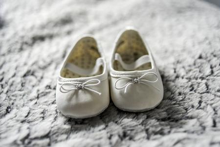 작은 아기 신발.