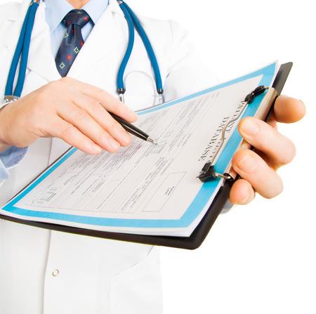 clinic history: m�dico escribir una receta