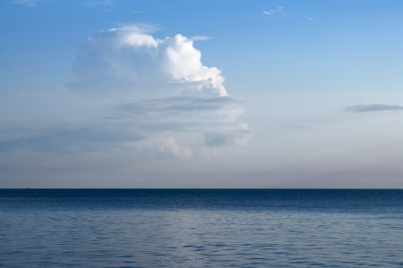 Cloudy sky and seascape with horizon at distant Stock Photo - 16975525