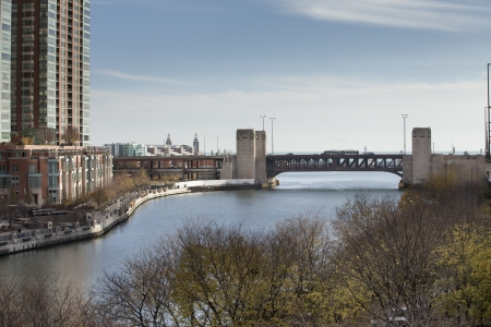 Distance view of a bridge in chicago Stock Photo - 16982906
