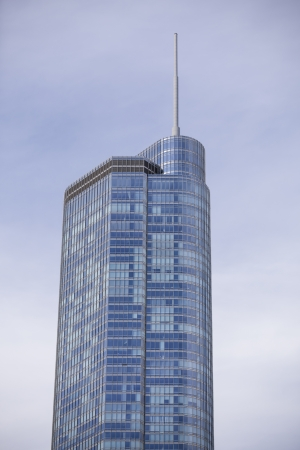 Low angle shot of a tall building against sky in Chicago Stock Photo - 16974775