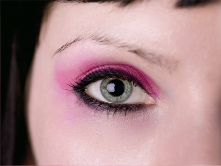 A close up on an eye with pink eyeshadow, Stock Photo - 17111909