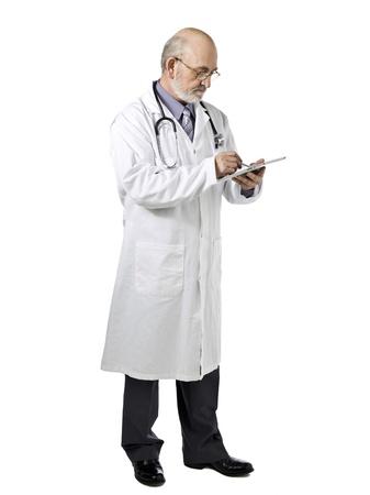 lab coat: Immagine Ritratto di un medico senior sul suo camice da laboratorio