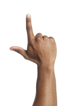 comunicacion no verbal: De cerca la imagen de la mano del hombre gesticula una muestra de la mano contra el fondo blanco
