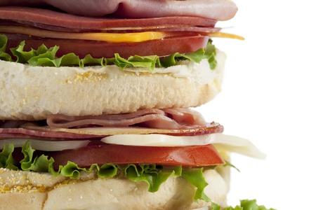 ham sandwich: Immagine ritagliata di panino al prosciutto grande su sfondo bianco