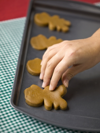 ginger bread man: Ginger bread man cookies on a tray