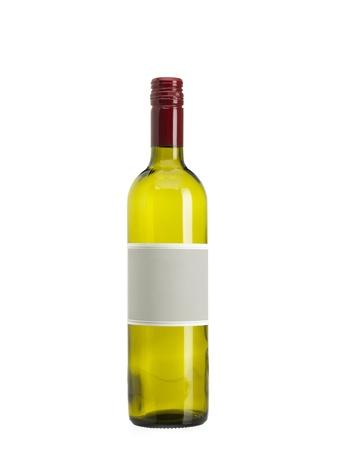 Beeld van lege wijnfles tegen witte achtergrond