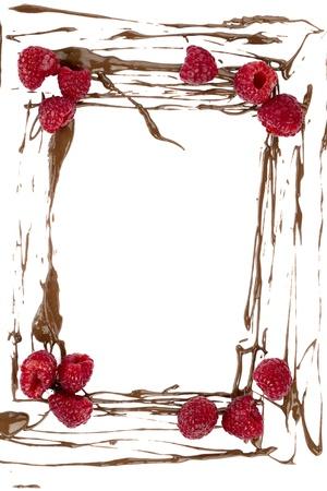Illustration d'un cadre constitué de projections de chocolat et de fruits framboise Banque d'images - 17251209