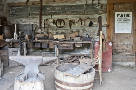 Image of an old blacksmith shop Imagens