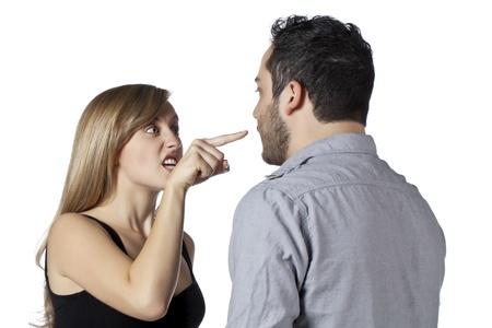 combattimenti: Immagine di un marito e moglie litigare isolato su uno sfondo bianco Archivio Fotografico
