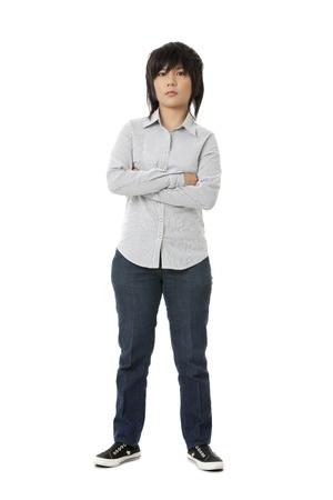 mani incrociate: Vista frontale di una donna carina asiatica con le mani incrociate.