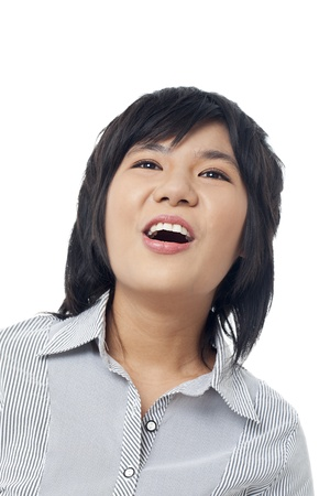 r image: Close-up immagine di una felice femmina giovane carino ridere su sfondo bianco. Modello: Leajzerlyn Maggio R. Dion Archivio Fotografico