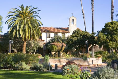 alter: MISSION SAN JUAN CAPISTANO BELL AND FOUNTAIN LANDSCAPE Stock Photo