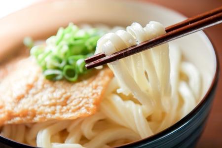 Kitsune udon. Japanese food. Standard-Bild
