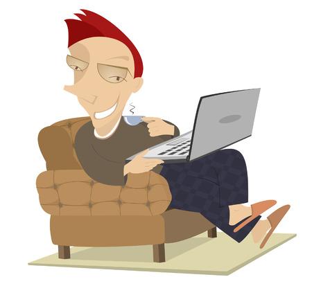 Kaffeezeit. Lächelnder Mann sitzt im Sessel spielt Computer und eine Tasse Kaffee