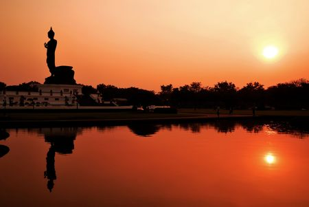 buddha silhouette 版權商用圖片 - 7292060