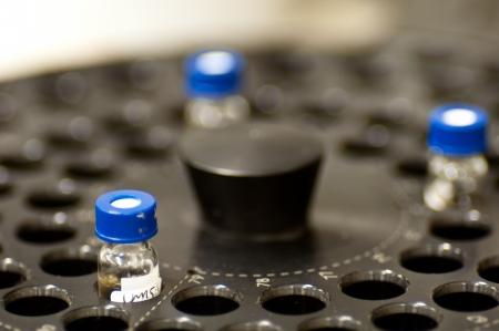 analytical chemistry: Scattering Sample Vials