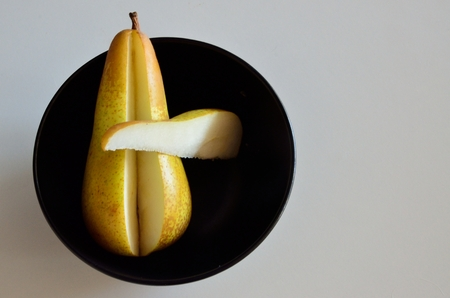 food distribution: Cutted pear