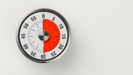 古典的な時計の文字盤と赤い残り時間表示、30 分ビンテージ アナログ キッチン タイマー