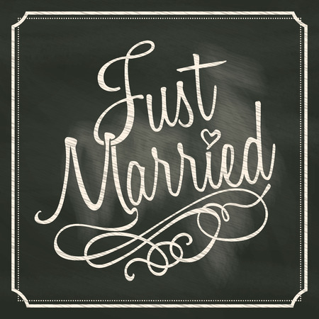 Just Married lettering sign on chalkboard background  Vectores