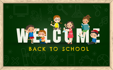 welcome smile: Welcome back to school chalkboard background vector illustration