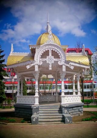 sumy: Altanka - symbol of Sumy  Ukraine   Altanka - pavilion  in English   Lomo-effect