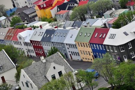 レイキャビク、アイスランドの多色の住宅