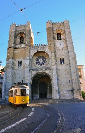 se: Lisbon tram at Se cathedral  Symbols of Portugal