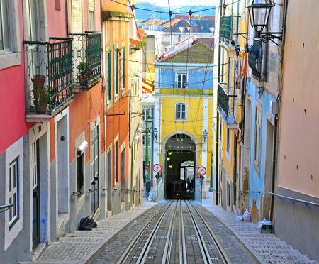 ascensor: Lisbon funicular Bica in Bairro Alto district Editorial