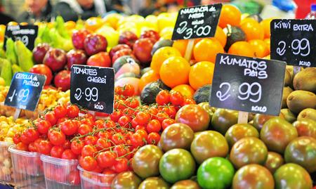 フード マーケット、バルセロナの果物 写真素材