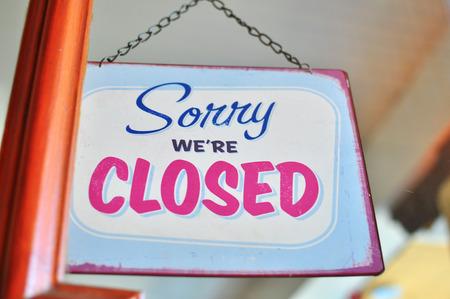cerrar la puerta: Signo cerrado