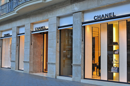 chanel: BARCELONA, SPAIN - FEBRUARY 5: Chanel flagship store in Paseo de Gracia, Barcelona on February 5, 2015. Chanel is a french world famous luxury brand.
