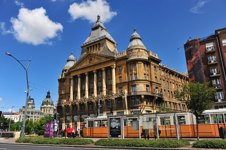 az: BUDAPEST, HUNGARY - MAY 16: View of the Az Anker building in centre of Budapest on May 16, 2016. Az Anker is the first block of flats in Budapest city, Hungary.