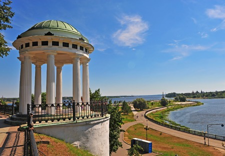 city park pavilion: Pavilion at city park of Yaroslavl city, Russia