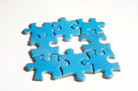 conundrum: puzzle su bianco