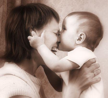 Madre e bambino toni seppia