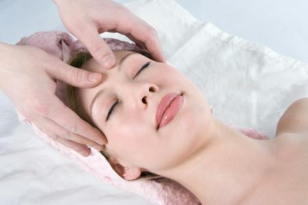 spa massaggio facciale per la bellezza ragazza Archivio Fotografico