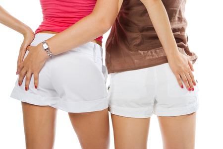 arracher: deux femmes lesbiennes en contact ass court sur blanc