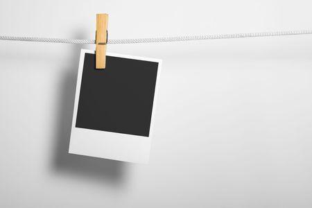 adjuntar: Pel�cula en blanco sobre la cuerda adjuntar ropa vinculaci�n de la moneda