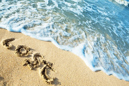 Word Lost sulla spiaggia del mare