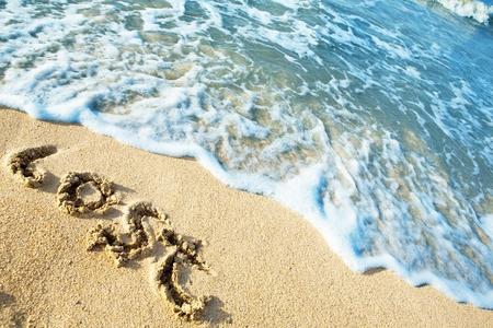 Word perdu sur la plage de la mer