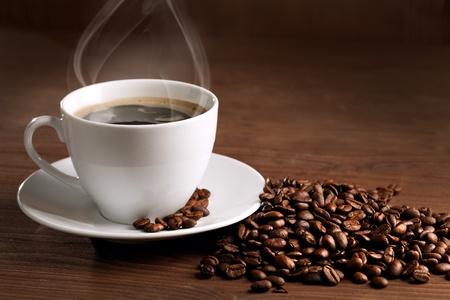 warme kop ciffee op bruine achtergrond
