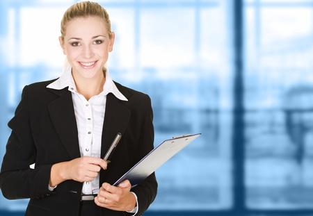 zakenvrouw in moderne glazen interieur Stockfoto