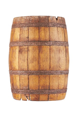 oil barrel: Barril de madera aislada sobre fondo blanco